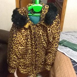 Leopard coat fur lined collar